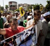 Les Frères prêts à manifester jusqu'au procès Morsi
