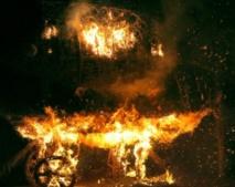 En Lituanie, un village de paille est brûlé chaque automne