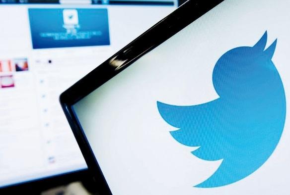 Twitter voit grand mais le chemin est jonché d'obstacles