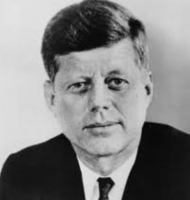 """Le """"mystère"""" JFK, objet d'inspiration inépuisable pour écrivains et cinéastes"""