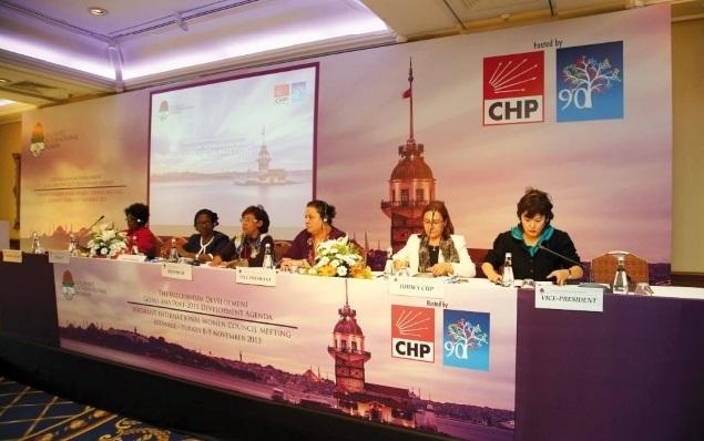 A Istanbul, l'ISF recommande la parité dans les Objectifs du millénaire et rend justice aux femmes du Printemps arabe