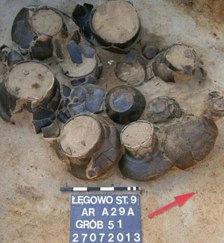 Découverte en Pologne d'urnes funéraires vieilles de 2.500 ans