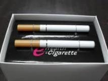 """Remplacer la cigarette par l'e-cigarette pourrait """"sauver des millions de vies"""""""