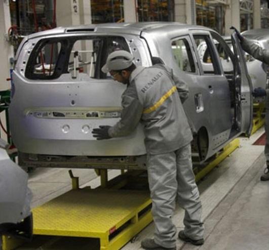 La production industrielle repart à la baisse