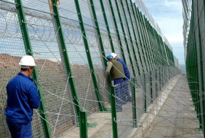 Le gouvernement espagnol prêt à retirer ses barbelés de Mellilia