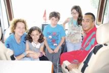 A bord d'un camping-car, une famille marocaine poursuit son tour du monde
