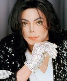 Les célébrités décédées qui gagnent le plus d'argent :  Michael Jackson