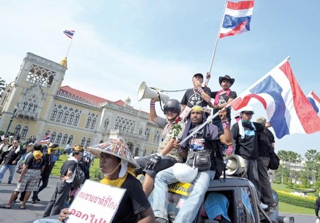 L'opposition thaïlandaise maintient la pression