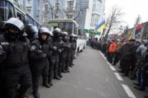 Tension en Ukraine après le rapprochement avec la Russie