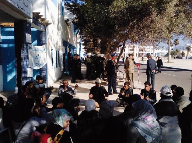 Intervention musclée contre un sit-in des professeurs contractuels à Essaouira
