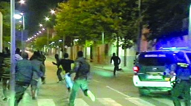 Les immigrés clandestins font le forcing de Sebta et Mellilia