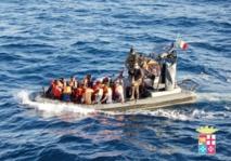 La Marine italienne sauve plus de mille migrants