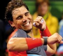 Nadal s'impose à Doha Federer tombe à Brisbane