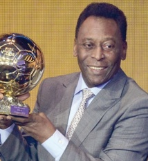 Ballon d'Or d'honneur pour Pelé et prix Puskas pour Ibrahimovic