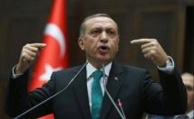 Erdogan à Bruxelles pour défendre sa réforme judiciaire