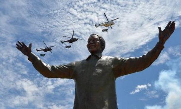 Insolite : On va retirer un lapin de l'oreille de Mandela