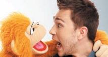 """""""L'homme au singe survolté"""" au Studio des arts vivants"""