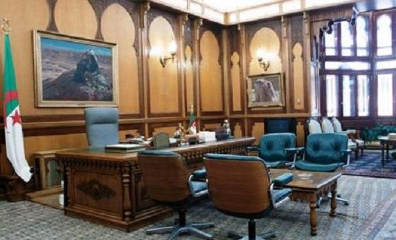 Alger opte pour des présidentielles sans voix discordantes