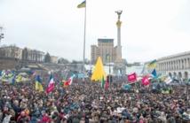 Affrontements entre manifestants et policiers près du Parlement ukrainien