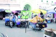 Les marchands ambulants s'approprient le domaine public à Mohammedia