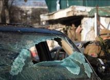 Rassemblement à Kaboul pour dénoncer la mort de 21 soldats dans une attaque