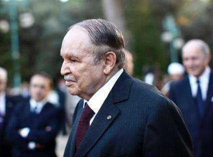Bouteflika dépose sa candidature à un 4ème mandat