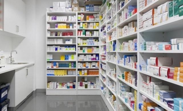 Baisse imminente des prix de 800 médicaments