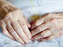 Alzheimer pourrait tuer presque  autant que les maladies cardiaques