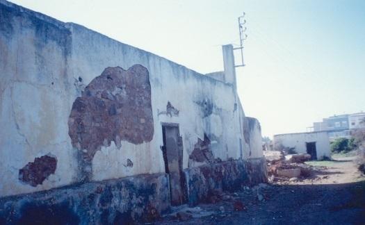 Les ruines de la bâtisse Oulderra et du petit msid situés près de l'ancien aérodrome d'El Jadida.
