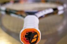 La raquette de tennis fait  sa révolution électronique