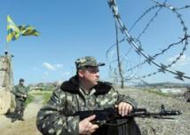 Les bases militaires ukrainiennes en Crimée cèdent sans combattre