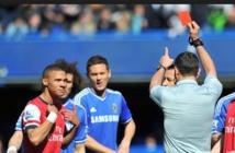 Un joueur exclu à la place d'un autre pendant Chelsea-Arsenal