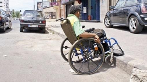 Les personnes handicapées, parent pauvre des politiques publiques