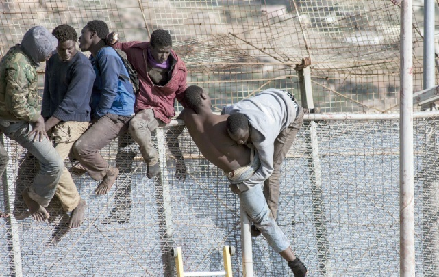 Une trentaine de migrants clandestins pris en tenailles à Mellilia