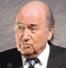 Blatter veut le Mondial au Qatar en fin d'année 2022