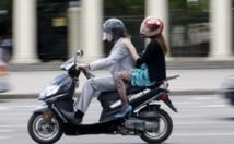 """Les scooters à deux temps, """"super polluants"""" de l'air dans les villes"""