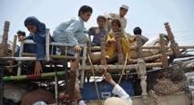 Des milliers de civils fuient l'offensive militaire au Waziristan  à la faveur d'un assouplissement du couvre-feu