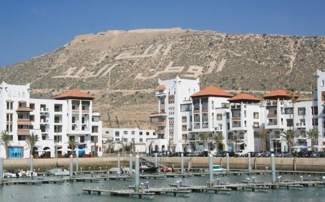 La Marina d'Agadir en phase de couler le port de pêche