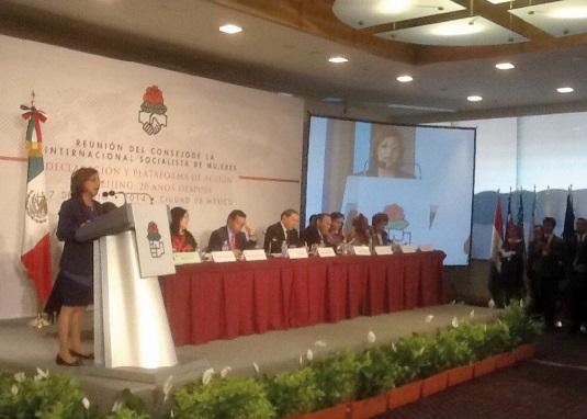 Ouafa Hajji : La promotion de la paix et de la démocratie au cœur de l'action de l'ISF