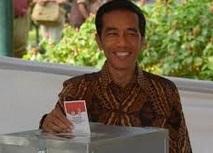 Widodo revendique la victoire à la présidentielle indonésienne