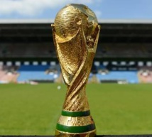 Le trophée de la Coupe reste propriété de la Fifa