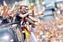 Foule à Berlin pour acclamer la Nationalmannschaft