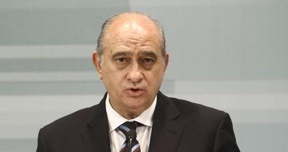 Le ministre espagnol de l'Intérieur défend les barbelés des présides