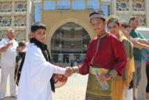 Les enfants du monde se rassemblent pour la paix