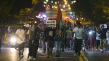 Regain de tension à Ferguson dans le Missouri après la mort du jeune Noir  abattu par un policier