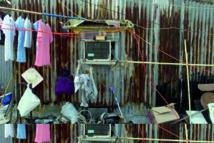 A Hong Kong, les plus pauvres habitent sur les toits, mais jusqu'à quand?