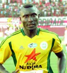 Le meilleur buteur d'Algérie, le Camerounais Albert  Ebossé tué par un projectile lors de JSK-USM à Tizi-Ouzou
