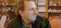 Houellebecq joue les otages dans une comédie truculente