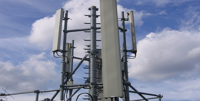 Le tribunal de commerce accède à la requête de citoyens berkanais et interdit l'installation d'une antenne-relais