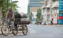 A Dar es-Salaam, les cyclistes cherchent leur voie